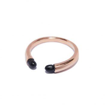 Rainy Rose Gold Ring in Black Onyx